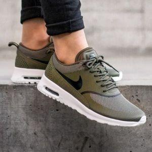 Nike Thea Olive Green